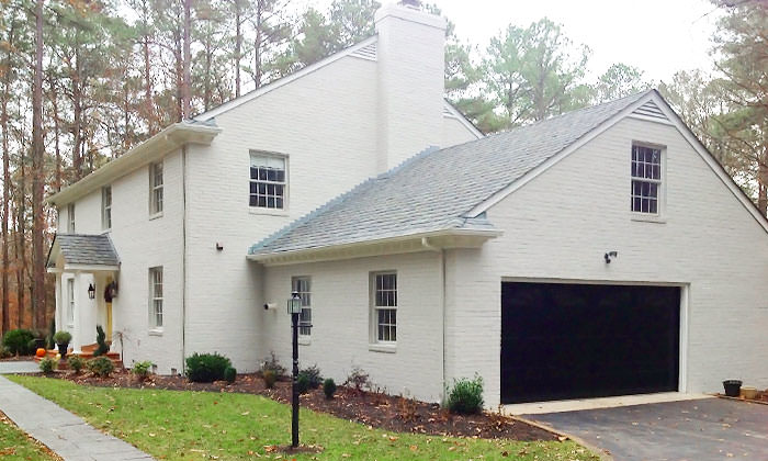 White House in Henrico with new coat of paint